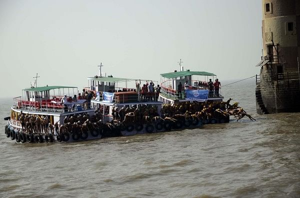 Square Off Mumbai Swimmathon 2014 attracted over 500 participants from across Maharashtra