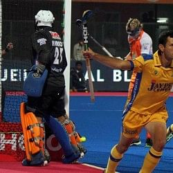 Kalinga Lancers vs Jaypee Punjab Warriors - Heroes and flops of the day