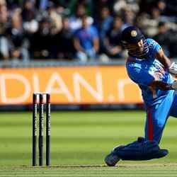 MS Dhoni wants to continue as Indian captain till 2015 World Cup