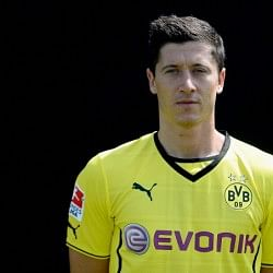 Bayern Munich confirm signing of Robert Lewandowski