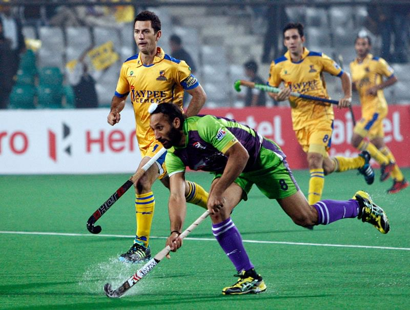 sardar-singh-delhi-waveriders-jamie-dwyer-punjab-warriors