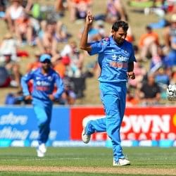 New Zealand vs India 1st ODI: Indians restrict New Zealand to a total of 292
