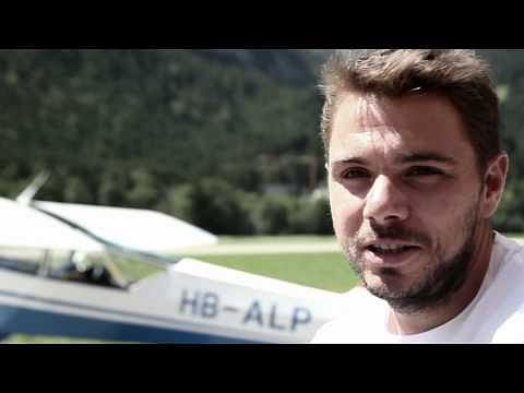 Video: Stanislas Wawrinka goes skydiving