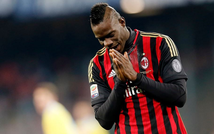 Rumour: Tottenham Hotspur to offer Erik Lamela for AC Milan striker Mario Balotelli