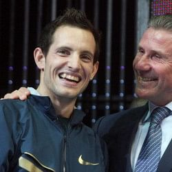 Renaud Lavillenie breaks Sergei Bubka's 20-year old indoor Pole Vault world record