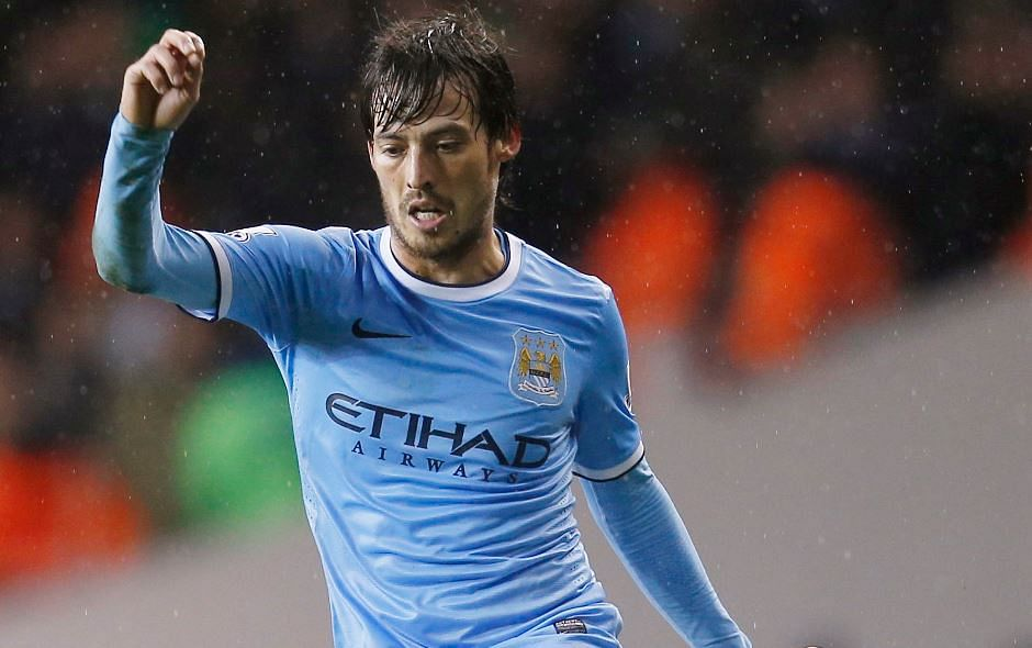 Rumour: Barcelona look to replace Xavi with David Silva