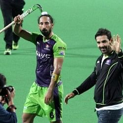 HIL 2014: Delhi Waveriders beat Dabur Mumbai Magicians 5-3 to finish league campaign in style