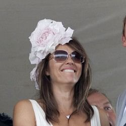 Shane Warne admits to split-up with Elizabeth Hurley