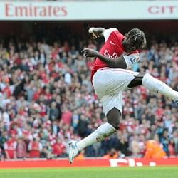 We want you back, Bac! Arsene, show Sagna the money!