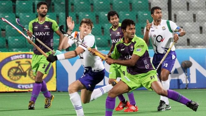 HHIL 2014: First semi-final match between Delhi Waveriders and Uttar Pradesh Wizards
