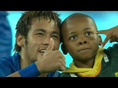 Video: Neymar welcomes kid at the ground during South Africa vs Brazil friendly