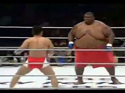 Largest athlete in the world (316 kg) vs MMA fighter