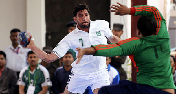 India outpace Pakistan to emerge South Asian Handball champions