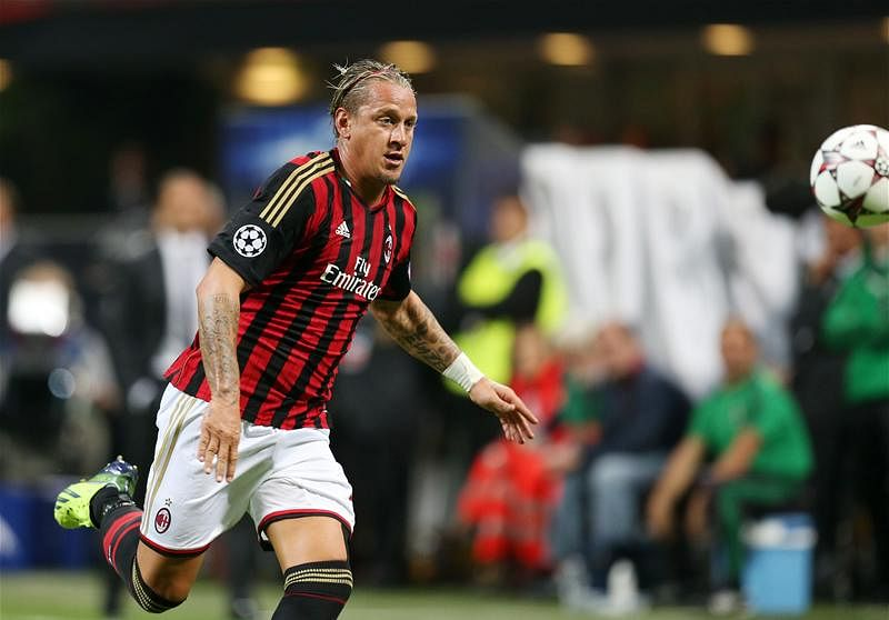 Rumour: Manchester United consider bid for AC Milan defender Philippe Mexes