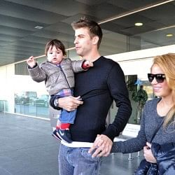 Pique won't let me do videos with men, says Shakira