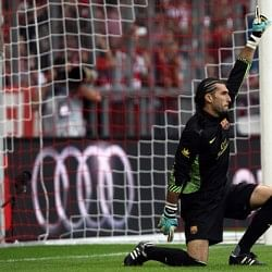 Real Madrid fans vote Barcelona goalkeeper José Manuel Pinto as Man of the Match