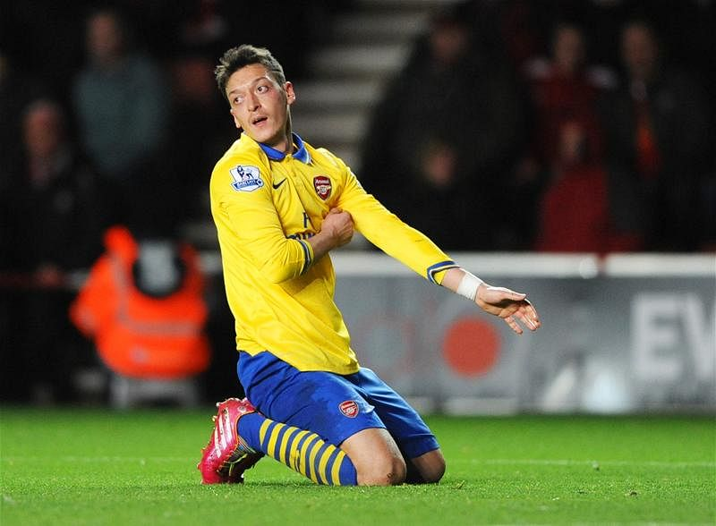 Per Mertesacker: Mesut Ozil will shine for Arsenal next season