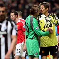 Edwin Van der Sar sends Tim Krul birthday wishes... and then takes it back!