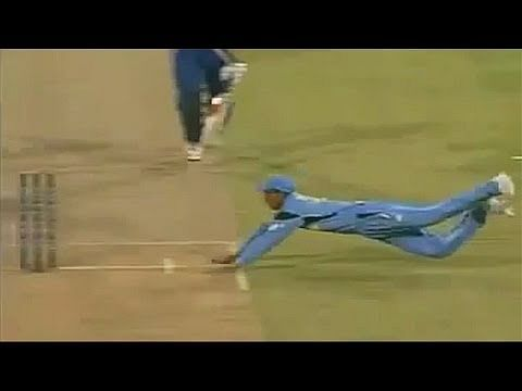 Video: Mohammad Kaif runs out Nick Knight; one of India's finest fielding moments