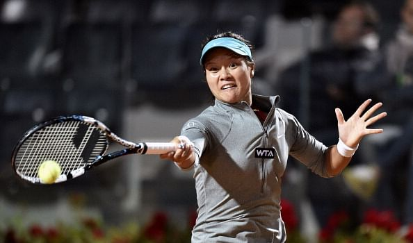 Li Na reaches 500th career win with victory over Casey Dell'Acqua in Rome