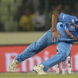Amit Mishra becomes the second bowler to get 100 wickets in Indian Premier League