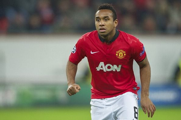 Manchester United player-on-loan Anderson breaks papal law; takes photo of Pope Francis