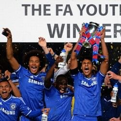 Chelsea clinch FA Youth Cup after 8-goal thriller at Stamford Bridge