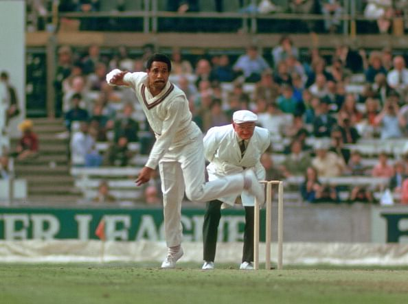 10 greatest left handed bowlers in the history of cricket