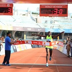 Kenyans Geoffrey and Lucy set course records under trying conditions at TCS World 10K