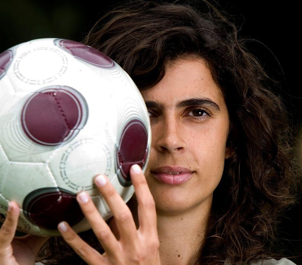 Furor en Twitter por Helena Costa, primera mujer en dirigir un equipo de futbol masculino