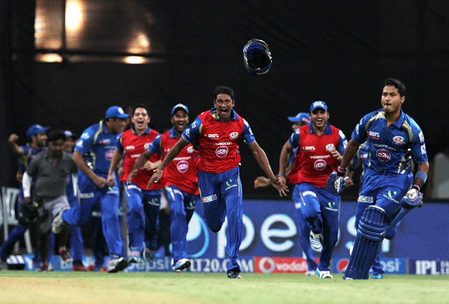 IPL 2014: Mumbai Indians qualify for IPL play-offs as they thrash the Rajasthan Royals