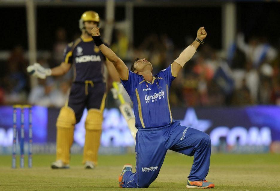 Video: Pravin Tambe's hat-trick wrecks Kolkata Knight Riders