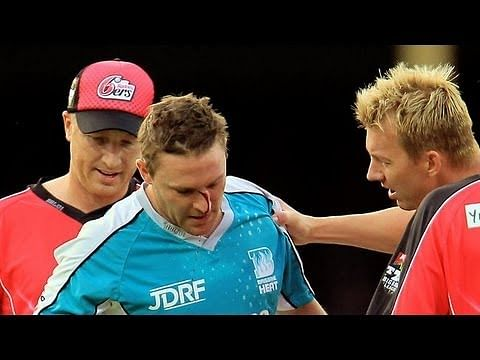 Video: Brett Lee's brutal delivery injures Brendon McCullum - Great sportsmanship follows!