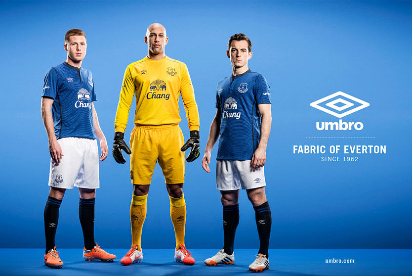 Everton unveil new kit for 2014/15 season