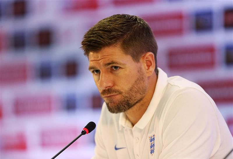 Steven Gerrard furious over Harry Redknapp's claims, demands him to reveal those Tottenham players who shirked England duty