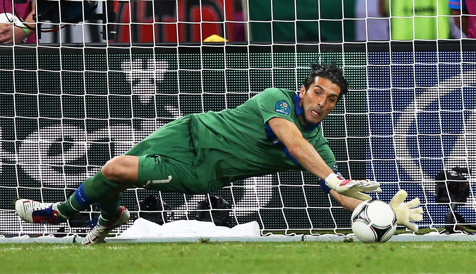 buffon - photo #43