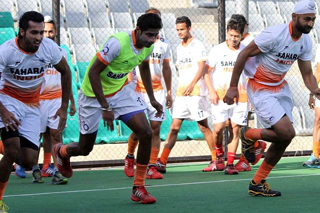 Hockey World Cup 2014: India lose to England after conceding another late goal