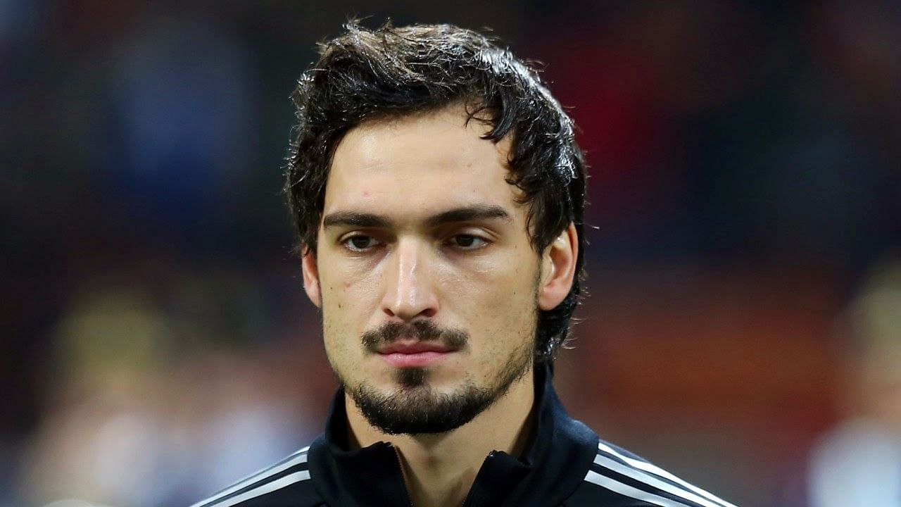 Germany's Mats Hummels open to Manchester United move ...