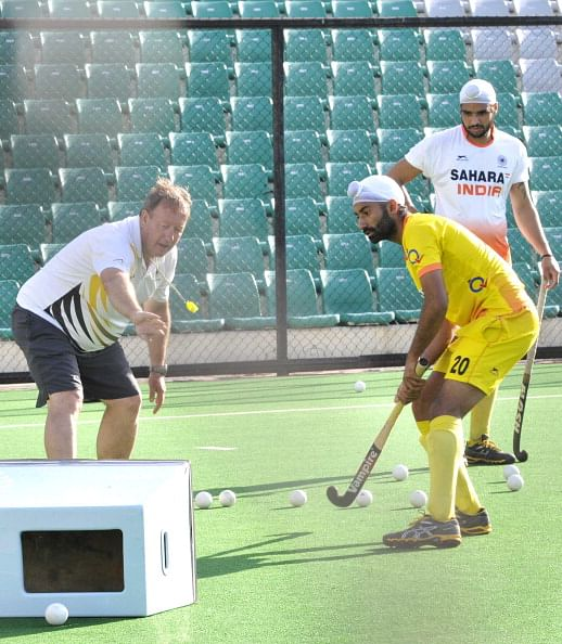 Why Indian hockey should stick with Terry Walsh