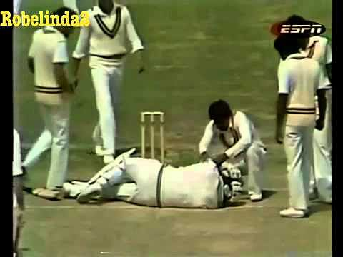 Video: Wasim Akram's deathly bouncer hits Lance Cairns on the head