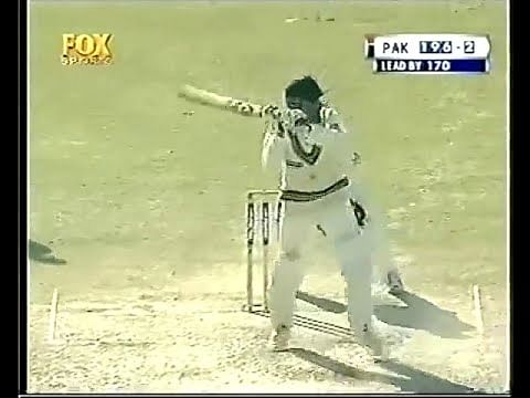 Video: Is Abdul Razzaq the inventor of helicopter shot?