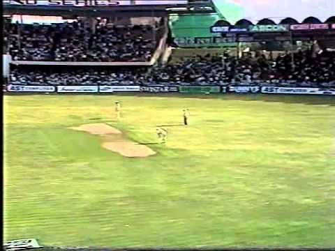 Video: Vinod Kambli hits Shane Warne for 22 runs in an over