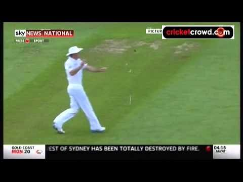 Video: Andrew Strauss breaks his sunglasses in the air