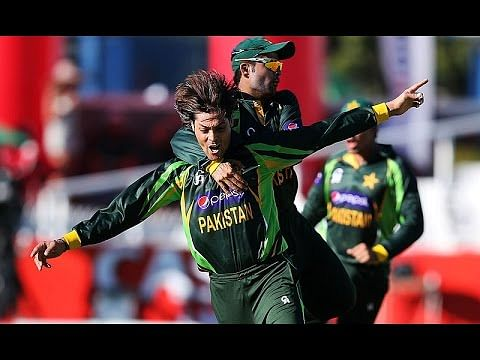 Video: Anwar Ali bowls three deadly inswingers in the 2006 Under-19 World Cup final
