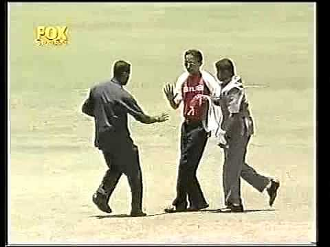 Video: When Sachin Tendulkar got tackled rugby style by Michael Clarke