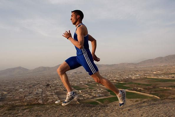 New study reveals runners can benefit by swinging their arms