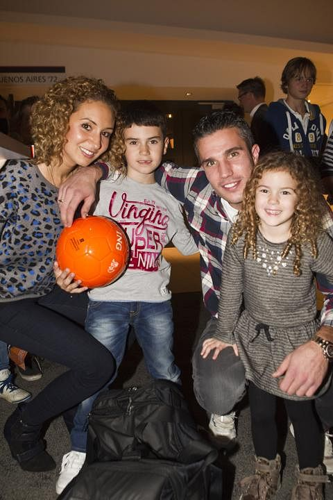 Family photo of the football player, married to Bouchra van Persie, famous for Manchester United & Fenerbahçe.