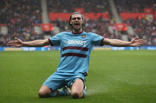 Andy Carroll ruled out for 4 months with a torn ligament