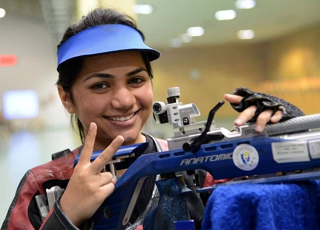 Commonwealth Games 2014: Apurvi Chandela wins gold in the 10m Air Rifle event; Ayonika Paul clinches silver