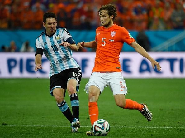 Manchester United reportedly look to Daley Blind as Patrice Evra looks likely to leave